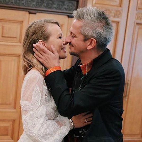 На свадьбу Ксении Собчак и Константина Богомолова начали съезжаться гости