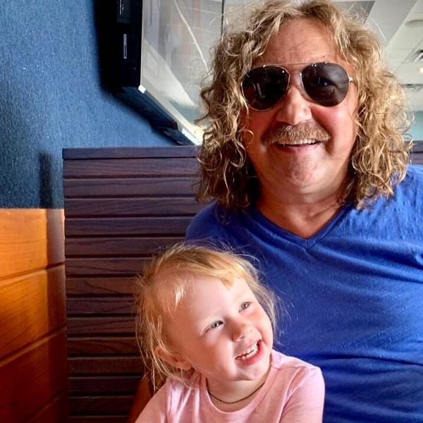 Игорь Николаев опубликовал трогательное фото с трехлетней дочерью