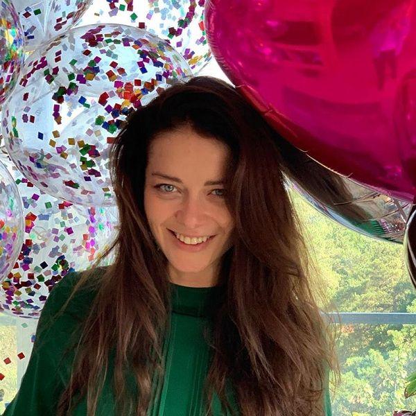 Марина Александрова похвасталась, что муж подарил ей на день рождения мопед