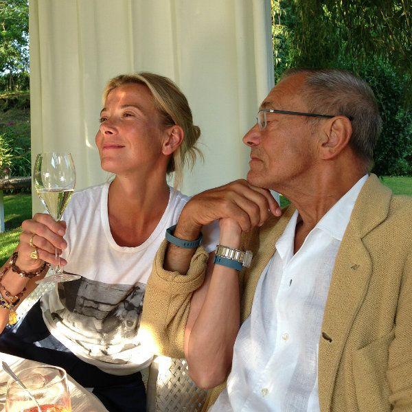 Юлия Высоцкая опубликовала романтичное фото с мужем Андреем Кончаловским в честь 23-й годовщины знакомства
