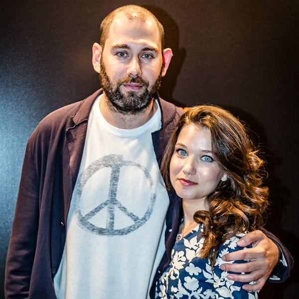 На фоне слухов о разводе Семен Слепаков вышел в свет с женой