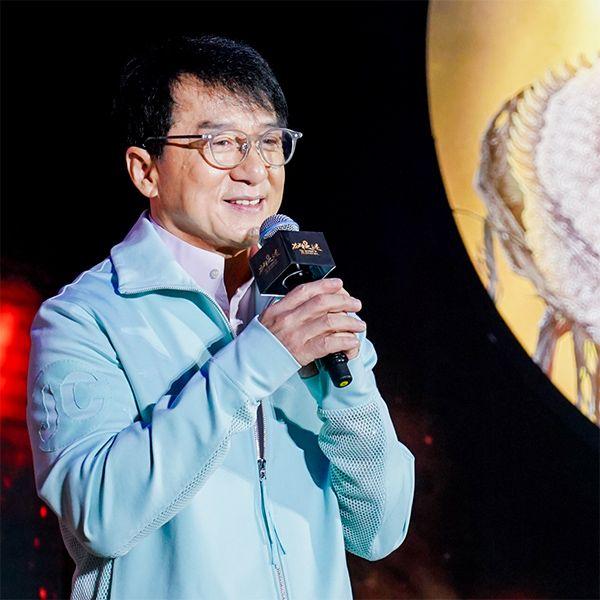 Джеки Чан представил российский фильм «Тайна печати дракона» со своим участием на премьере в Китае