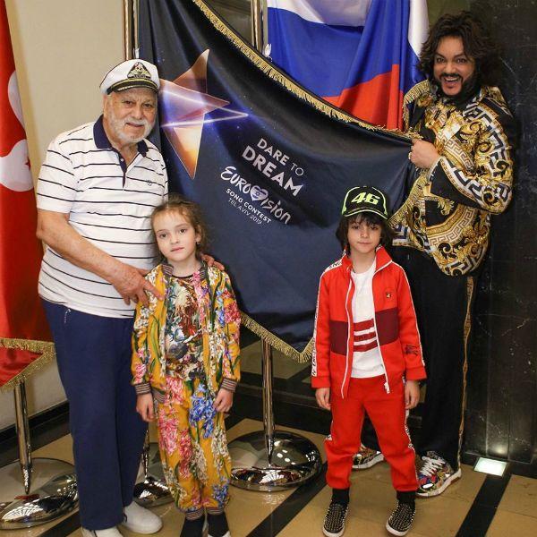 Дети Филиппа Киркорова прилетели в Израиль поддержать Сергея Лазарева на «Евровидении — 2019»