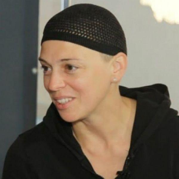 Нелли Уварова опровергла слухи о том, что побрилась наголо в поддержку Анастасии Заворотнюк