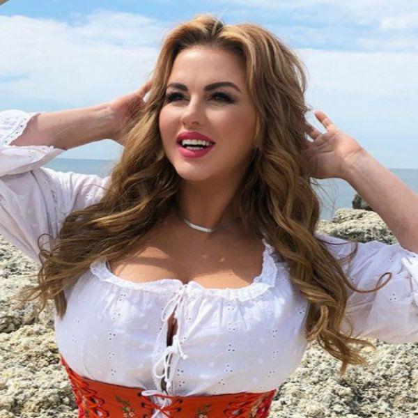Анна Семенович рассказала, как прошел ее первый день на съемках продолжения «Гардемаринов»