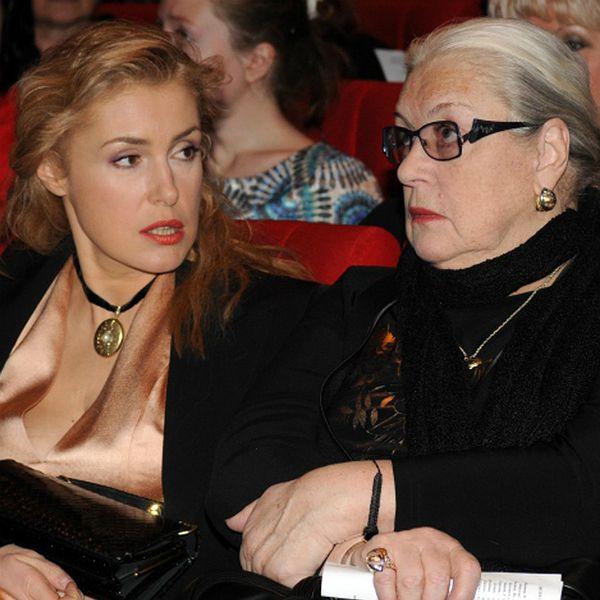 Мария Шукшина опровергла слухи о том, что у ее 80-летней матери случился сердечный приступ