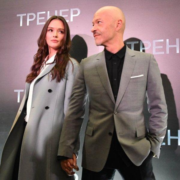 Ксения Собчак показала, как Паулина Андреева и Федор Бондарчук повеселились на дне рождения Александра Роднянского