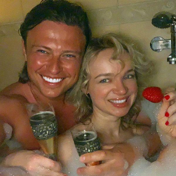 Прохор Шаляпин опубликовал романтическое фото с Виталиной Цымбалюк-Романовской из ванной