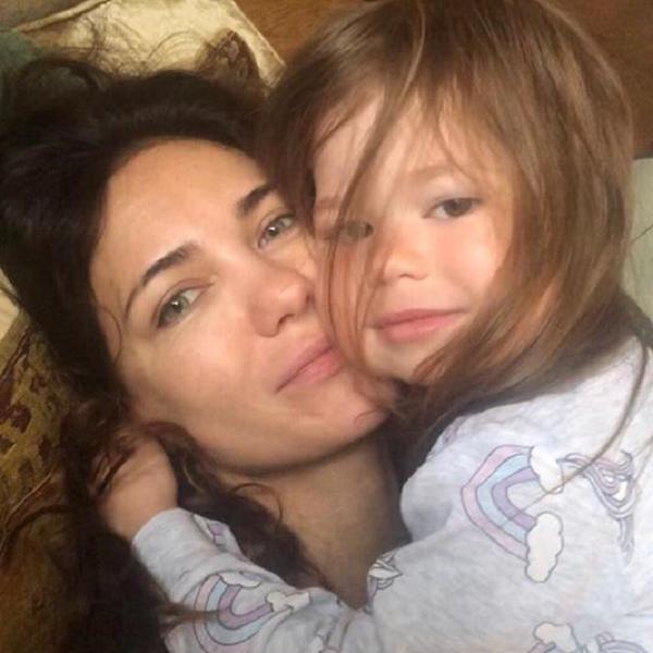 Екатерина Климова опубликовала видео забавного танца ее 3-летней дочери