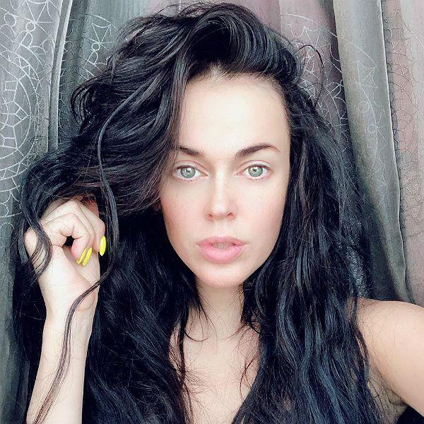 Экс-солистка группы Hi-Fi Таня Терешина заявила, что не сможет прожить на 100 тысяч рублей в месяц