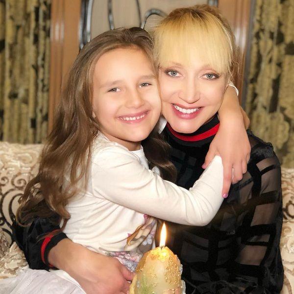 Кристина Орбакайте показала, как ее 7-летняя дочь поет по-испански
