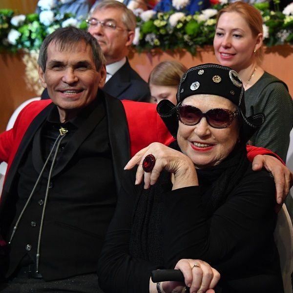 Лидия Федосеева-Шукшина и Бари Алибасов посетили могилу Василия Шукшина в честь его 90-летия