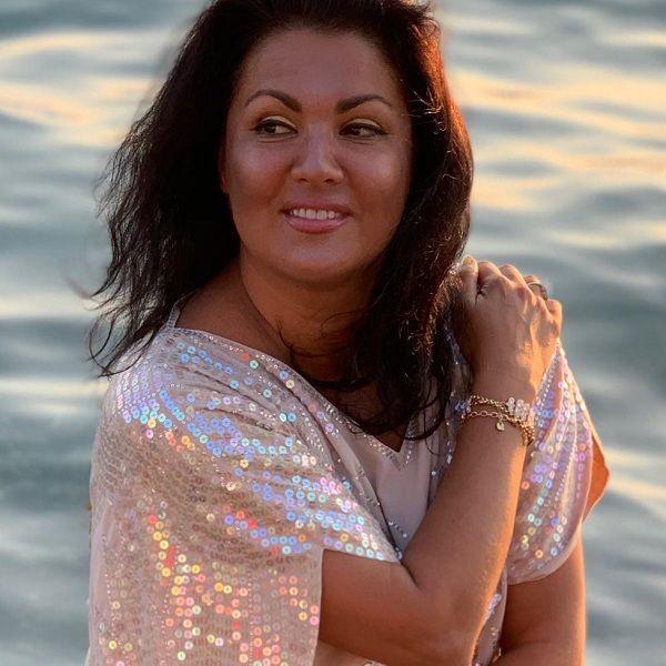 47-летняя Анна Нетребко показала фото с пляжного отдыха в Сочи