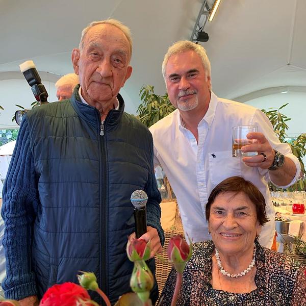 Валерий Меладзе опубликовал редкое фото со своими родителями