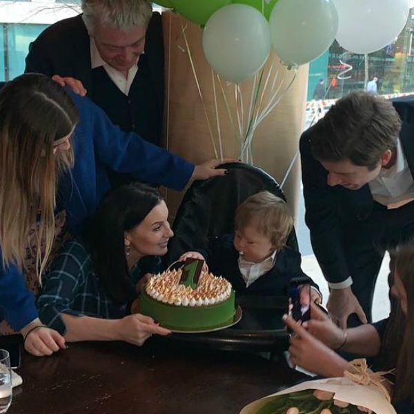Екатерина Стриженова трогательно поздравила внука с первым днем рождения