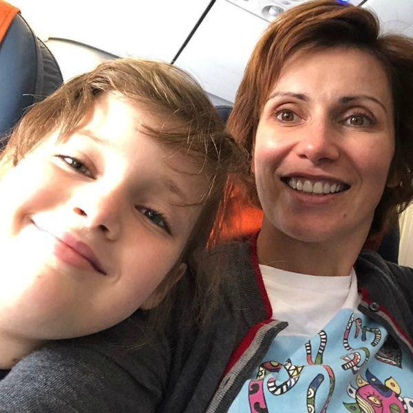 Светлана Зейналова показала, как помогает особенной дочери учить английский язык