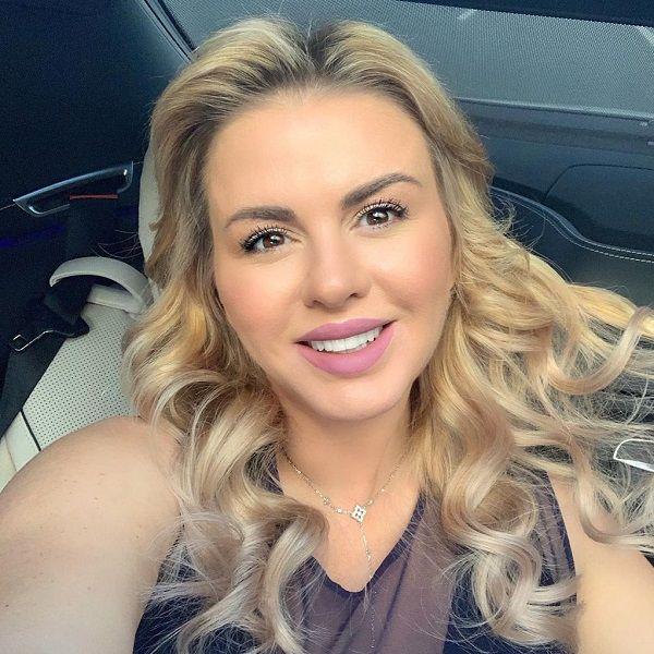 Анна Семенович высмеяла слухи о своей беременности от Меладзе, Нагиева и Баскова