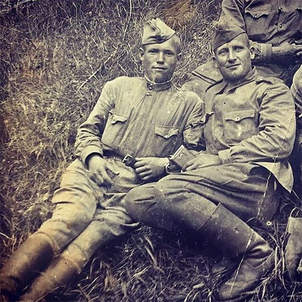 В День Победы звезды поделились воспоминаниями о своих родных, воевавших в Великую Отечественную войну
