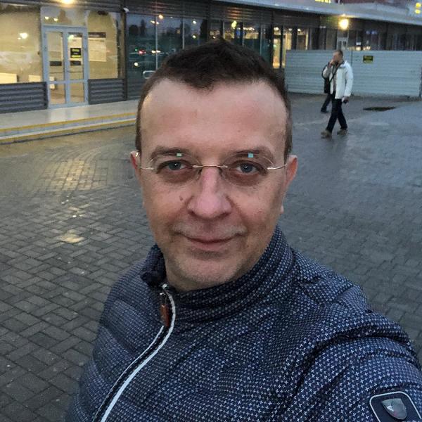 Звезда 90-х Рома Жуков хочет забрать шестерых детей у своей бывшей жены
