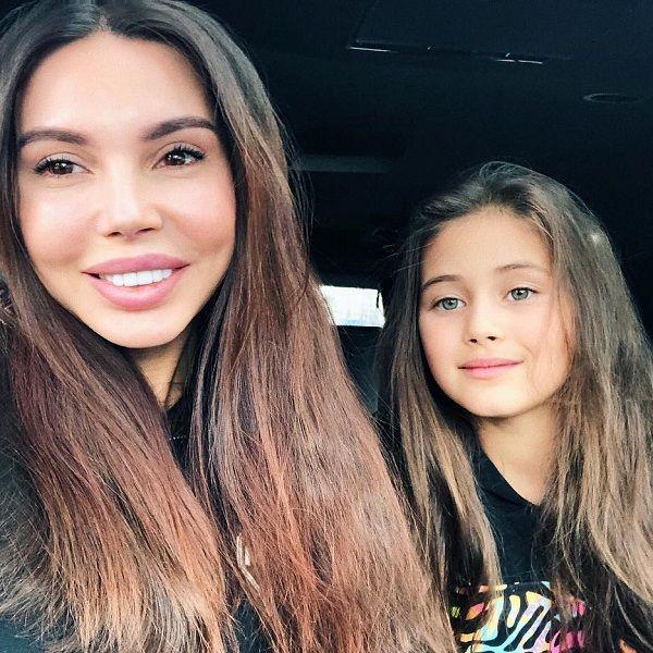 Старшая дочь Джигана и Оксаны Самойловой расстраивается из-за старения родителей и не хочет взрослеть