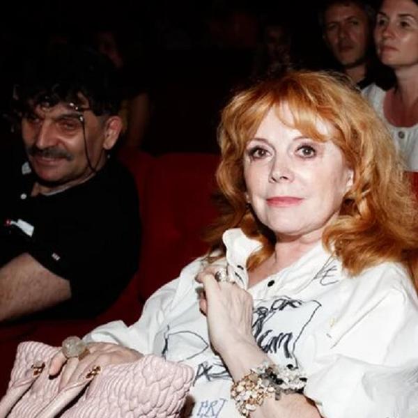 72-летняя Клара Новикова впервые за долгое время вышла в свет