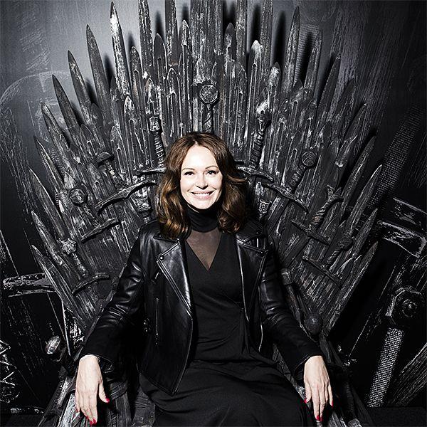 Ирина Безрукова и другие звезды посмотрели 5-ю серию 8-го сезона «Игры престолов» в столичном метро