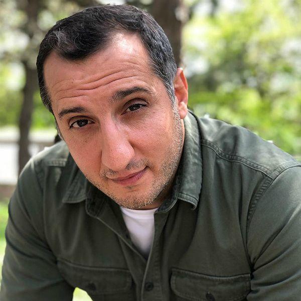 Звезда «Универа» Арарат Кещян дебютирует как режиссер с проектом «Прошу прощения»