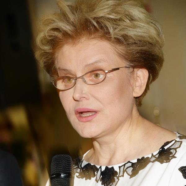 Елена Малышева усомнилась в целесообразности лечения Анастасии Заворотнюк в Европе