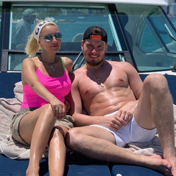 Лера Кудрявцева опубликовала семейные кадры с отдыха в Майами