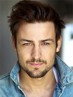 Тайлер Хайнс (Tyler Hynes ), Актер: фото, биография ... эллен пейдж фильмография