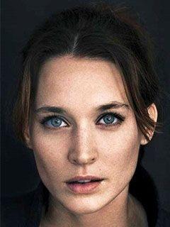 Йозефин Асплунд (Josefin Asplund), Актриса: фото ... дэниэл крэйг